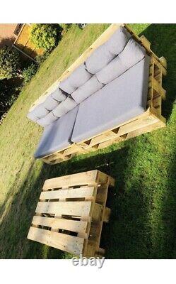 Two Wooden Indoor/Outdoor Rustic Patio Garden Pallet Furniture Chair & 1 Table